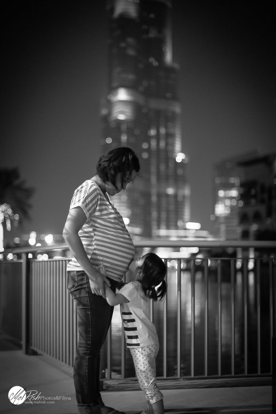 Dubai maternity in black and white